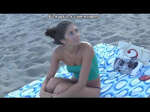 chicas desnudas en la playa actrices porno anal