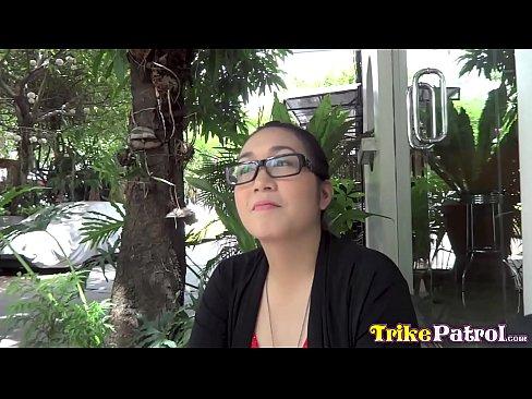 TRIKEPATROL Smart Asian Cutie Loves To Try New Things