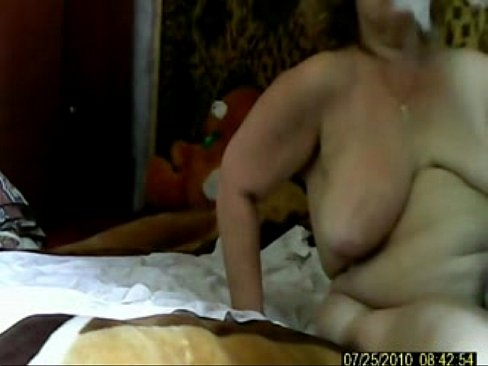 Amateur mature wife at gloryhole video