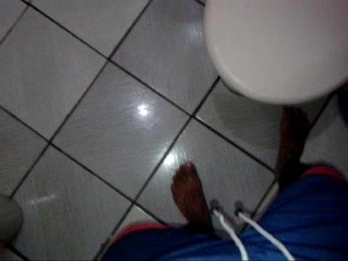 Eu batendo uma punheta e gozando bem gostoso no banheiro's Thumb