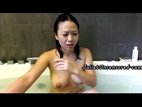 real pissing asian compilation bath time piss @ 1235 & 2637 burp @ 1510