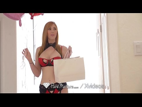 Hot Mom Fucks Anal As Valentines Day Gift