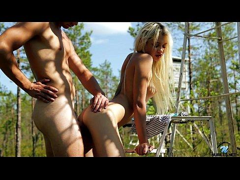 Смотреть порно пикап с блондинками в лесу