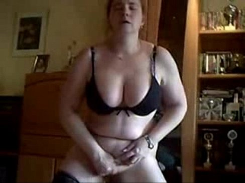 amateur middle age wife masturbating at home
