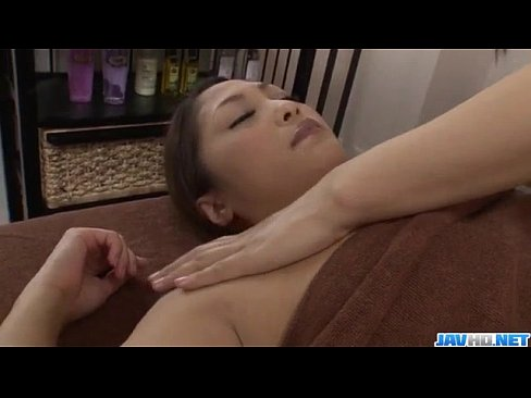 ➤Superb massage session with a lesbian babe for Maika