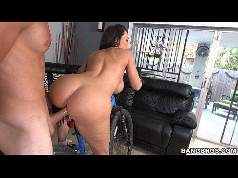 Lisa Ann Ass Parade Anal - The Ultimate MILF Booty - Lisa Ann - XVIDEOS.COM