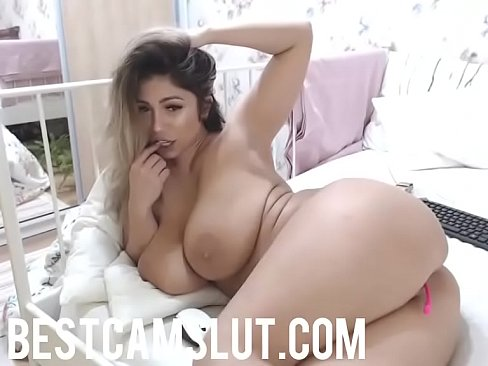 Curvy Babe Goes Naked On Cam Bestcamslut Com Xvideos Com