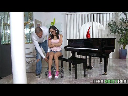 tiny teen piano player plays a huge cock