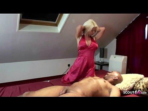 Erster Sex mit Schwarzen von MILF Nadja Summer Deutsch BBC - German Interracial