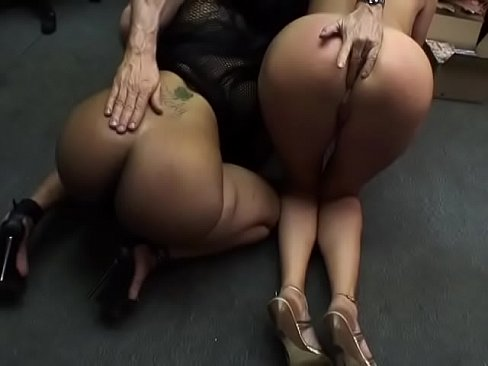 Sucking Cock While Phone