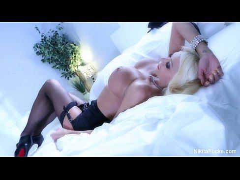 cover video nikita von jame  s sexy solo