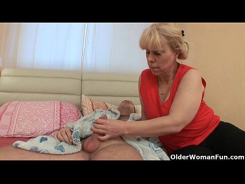 Eating Old Lady Pussy
