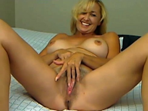 Hot amateur girlfriend gets fucked by big cock