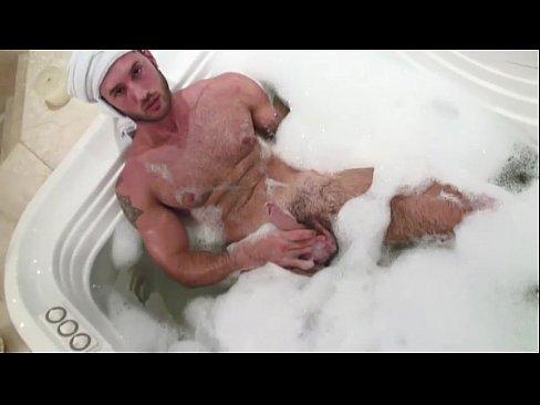 jacuzzi fuck Muscular