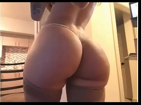 Bellabrookz huge tits
