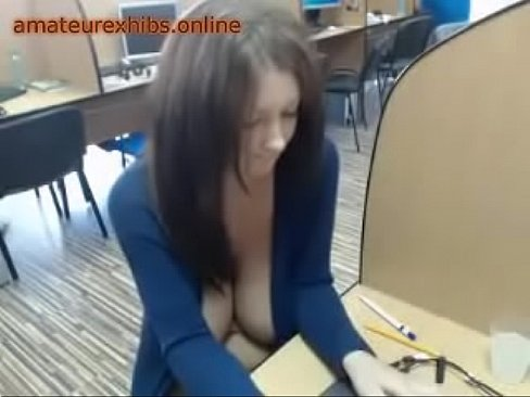 Lesbian licking each other out