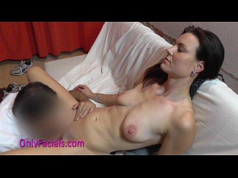 Cezch pussy undresses