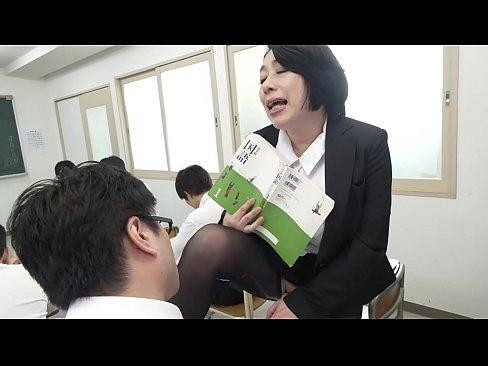 声が出せない絶頂授業で10倍濡れる人妻教師 柏木舞子