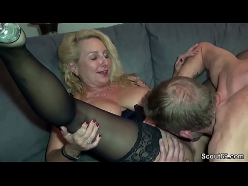 Chunky girl gets fucked by big dick amateur