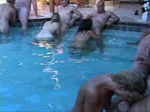 real amateur married couple swinger at pool