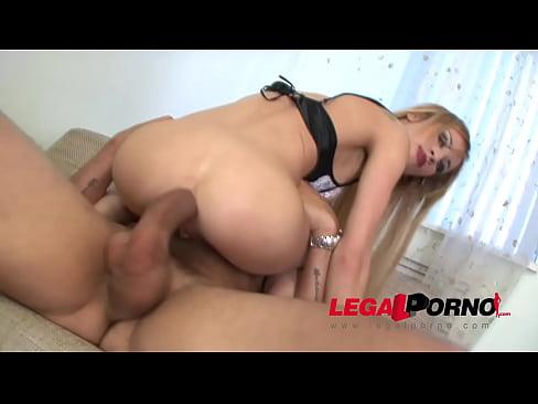 oral sex threesome porn