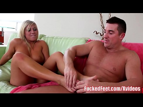 Busty Teen Heidi Hollywood Gives Soft Footjob for FuckedFeet
