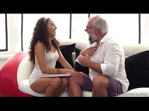 videos porno latinas viejos follando