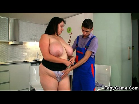Bbw gets laid with a repairman