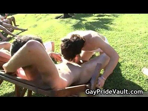 Amazing outdoor gay sucking