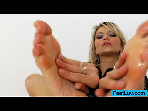 Splendid girlie Sophia Magic plastic cock footjob