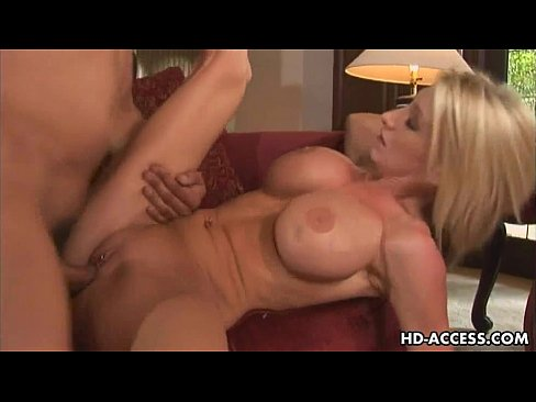 Hot Babe Big Tits Gets Fucked