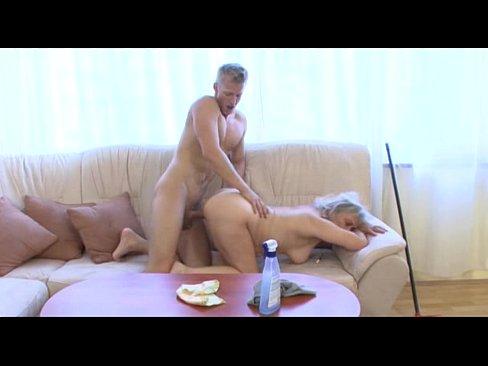 Порнофильмы дед ебет бабку и внучку смотреть