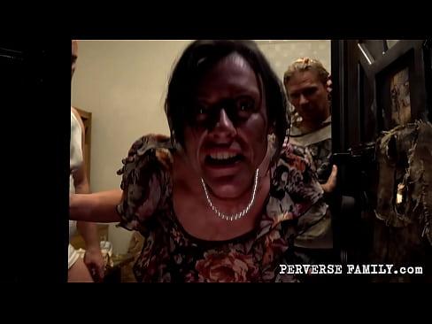 PERVERSE FAMILY Bukkake Blowjob