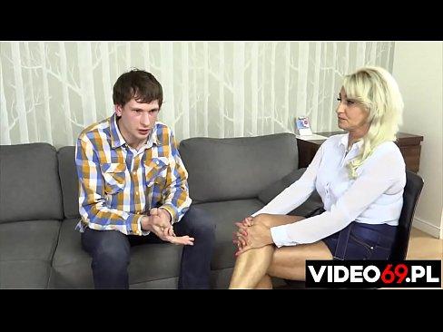 Polskie porno - Podstępne zaliczenie napalonej mamuśki