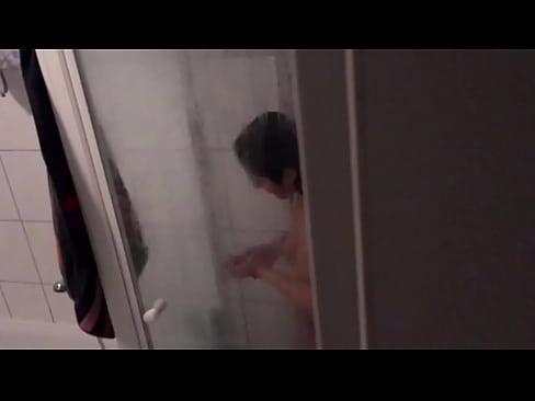 Lesbianin porns masturbates webcam