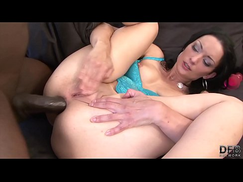 Interracial – Black Cock Vs Big White Ass For Dick Hungry Cougar Wanting Cum