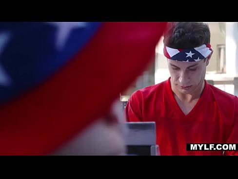 cover video 4thofjulyfamily fuckingbbq