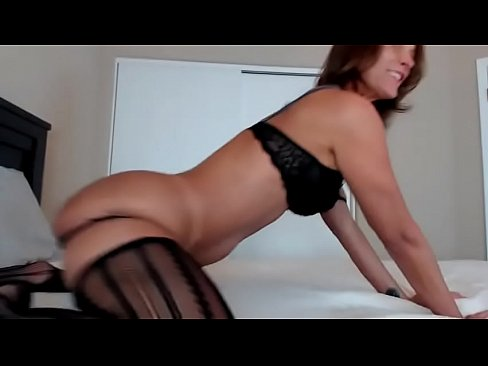 Oiled ass milf