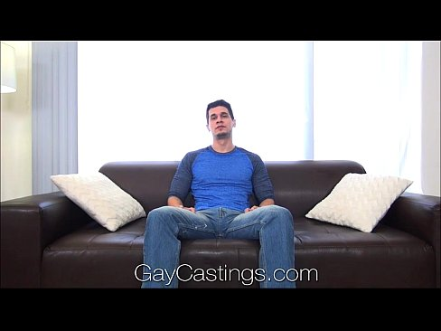 Gaycastings tatted muscle guy jerks off