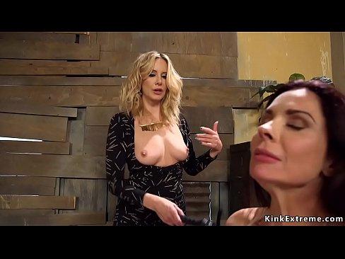 Blonde anal fucks waitress in bondage's Thumb