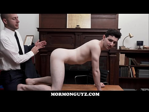 Muscle guy fucked by church president