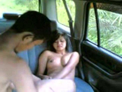 budak felda main dalam kereta