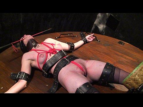 Порно лесби привязали бдсмонлайн