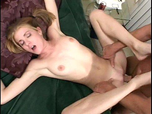 Порно с дочкой племянницей
