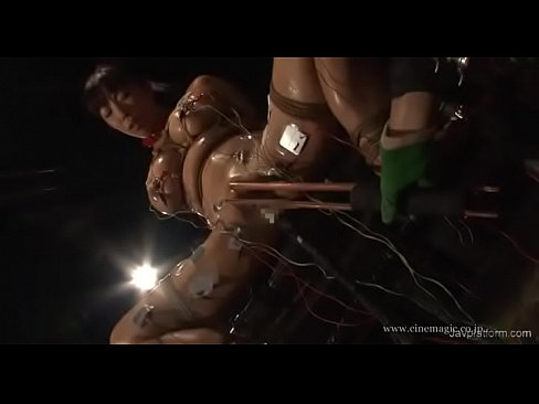 XVIDEO 巨乳お姉さんが縛られ電流バイブ地獄
