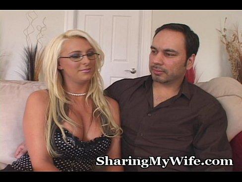 Sharing Beautiful Curvy Wifey - Download mp4 XXX porn videos