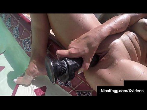 Soaking Wet Nina Kayy Fingers Fucks Pussy Under Water!