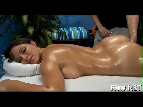 Sexy sexy babe fucks and sucks
