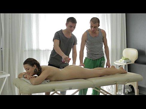 Great massage xxx video with threesome scene 2
