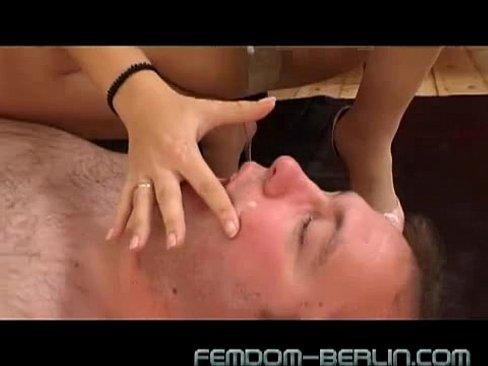 mobile porn video Deep speculum penetration